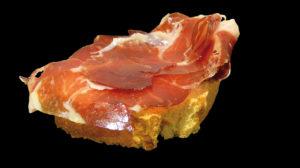 Toast de jambon ibérique de Bellota avec tartare de tomate